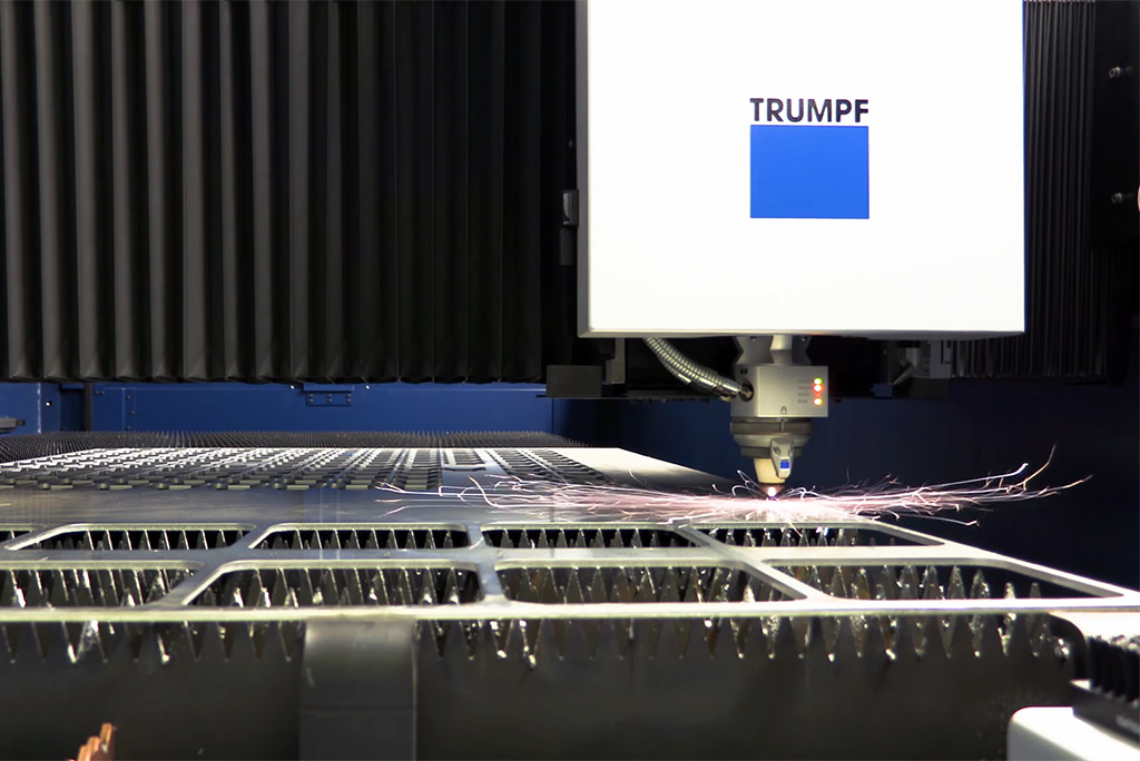 TRUMPF Trulaser 3030 fiber in action